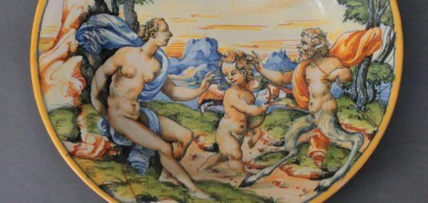 Plat Urbino