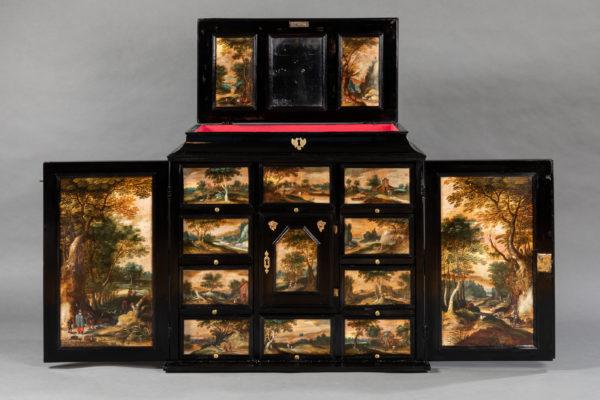 Mobilier- Cabinet a peinture anversois Flandres 17e siecle